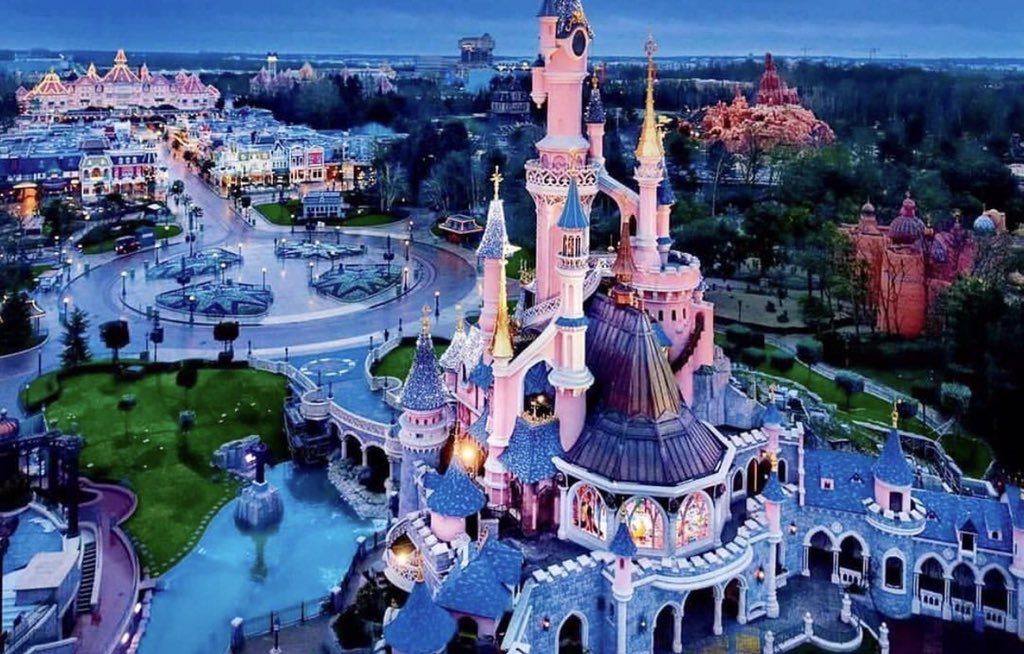 DISNEYLAND PARIS, CASTING IN ITALIA